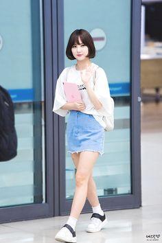Fashion Idol, Kpop Fashion, Korean Fashion, Fashion Outfits, Womens Fashion, Airport Fashion, Kpop Girl Groups, Kpop Girls, Kpop Outfits