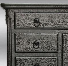 I'm going to do this!  Crackled furniture makes me HAPPY.