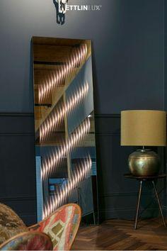 Ambiloom® Mirror 1700 ist ein moderner Ganzkörperspiegel mit ambienter Beleuchtung. Aus der Verschmelzung von Licht und Textil entstehen unvergleichliche Lichteffekte in der Spiegelung. Das verleiht dem Design Spiegel weitaus mehr als elegante Funktionalität. Er ist ein Stück Wandkunst, der jede Inneneinrichtung aufwertet. Mirror, Lighting, Design, Home Decor, Indirect Lighting, Spot Lights, Home Decor Accessories, Interior, Modern Full Length Mirrors