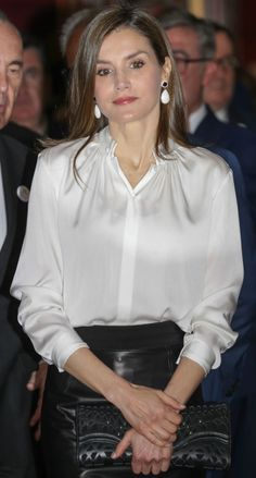 King Felipe and Queen Letizia Attend Opening of the exhibition 'Scripta' Laetitia, Queen Letizia, Satin Blouses, Blouse Outfit, Beautiful Blouses, Blouse Vintage, Elegant Outfit, Royal Fashion, Classy Outfits