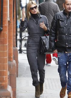 Kate Moss wearing Azzedine Alaia Suede Booties in Green and Saint Laurent Sac De Jour Carry All Bag in Black. Moss Fashion, Denim Fashion, Star Fashion, Kate Moss Style, Denim Jumpsuit, Denim Romper, Boiler Suit, Online Dress Shopping, Shopping Sites