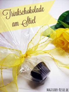 Einfach lecker: Trinkschokolade am Stiel  Lust auf selbstgemachten Kakao? Rezept für selbstgemachte Trinkschokolade am Stiel oder am Löffel - auch ein perfektes Geschenk aus der Küche.
