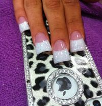 French tip Duck feet nails and cute phone case Duck Tip Nails, Duck Feet Nails, Duck Flare Nails, Flare Acrylic Nails, Gorgeous Nails, Pretty Nails, Fabulous Nails, Fan Nails, Wide Nails