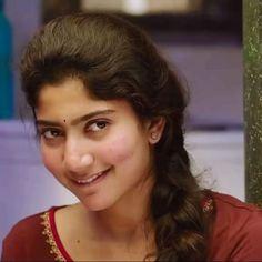 Sai Pallavi in South Indian Actress Hot, Indian Actress Hot Pics, Actress Pics, Beautiful Bollywood Actress, Beautiful Indian Actress, Beautiful Actresses, Hot Actresses, Indian Actresses, Priyanka Chopra Makeup
