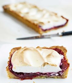 Merengue and rasberry pie - Marenki-vadelma-murupiirakka