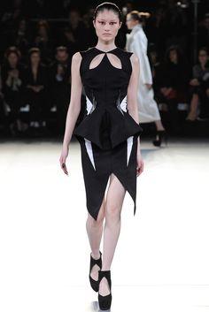 Mugler Fall 2012 Ready-to-Wear Fashion Show - Sui He (OUI)