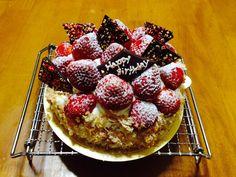 苺タルトのバースデーケーキ