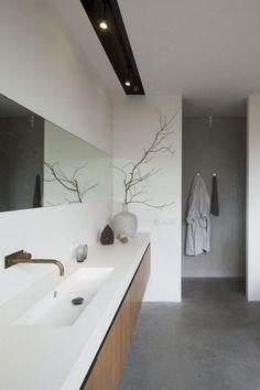 Minimalist bathroom 584553226617087213 - Simple Minimalist Bathroom Remodel Ideas Source by decoralls Beige Bathroom, Modern Master Bathroom, Simple Bathroom, Family Bathroom, Minimalist Bathroom Design, Bathroom Interior Design, Bathroom Trends, Bathroom Renovations, Bathroom Ideas