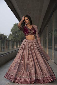 Party Wear Indian Dresses, Designer Party Wear Dresses, Indian Gowns Dresses, Indian Bridal Outfits, Dress Indian Style, Indian Fashion Dresses, Indian Designer Outfits, Indian Wear, Wedding Lehenga Designs