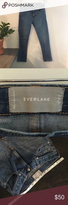 Everlane 28R Mom jeans:) Only my favorite jeans in the whole world!!!! So comfy and flattering! rn# 139393. Had to resize my wardrobe after pregnancy. EUC as pictured. Everlane Jeans Skinny