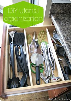 How to keep all those kitchen utensils #organized #DIY