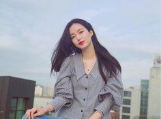 Fashion Beauty, Womens Fashion, Minimal Chic, Gingham, Korean Fashion, Ruffle Blouse, Street Style, My Style, Korean Style