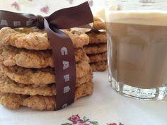 Llevo años intentando dar con la mejor receta de Chocolate Chip Cookies, pero creo que todavía no la he encontrado. Unas me resultan muy dulces, otras muy grasas, otras muy secas… Estas concr…