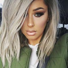 God I love Chrisspy! Beauté Blonde, Platinum Blonde, Hair Dos, Gorgeous Hair, Pretty Hairstyles, New Hair, Hair Inspiration, Makeup Looks, Beauty Hacks