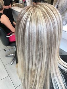 Enjoy A Great - - 7 Lucky Spring Hair Color Blonde Highlights! Blonde Hair Looks, Blonde Hair With Highlights, Blonde Color, Blonde Balayage, Highlighted Blonde Hair, Blonde Brunette, Platinum Blonde Hair, Spring Hairstyles, Hair Makeup