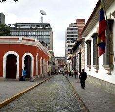¡Tus calles coloniales Simón! Caracas, Casa natal del Libertador. Venezuela