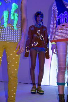 DEGEN FW14 M.A.G.I.K. presentation photo by Hanna Agar Weird Fashion, Funky Fashion, High Fashion, Dissociation, Fashion Details, Fashion Design, Textiles, Fetish Fashion, Knitwear Fashion