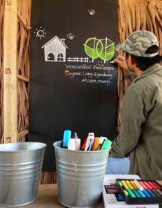 หนุ่มออกจากงาน มาช่วยเปลี่ยนแผงลอยธรรมดาของแม่ให้ดึงดูด! พร้อมเพิ่มยอดขาย! ด้วยงบเพียงแค่นี้! Coffee Mug Display, Sustainable Living, Stores, Agriculture, Beautiful Homes, Poster, Logo Design, Cool Stuff, Shop
