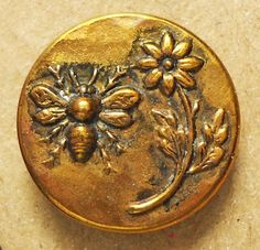 Pretty antique picture button brass with insect and flower metal vintage Metal Buttons, Vintage Buttons, Buzzy Bee, I Love Bees, Button Picture, Bee Art, Bee Happy, Save The Bees, Button Art