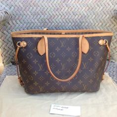 Louis Vuitton Monogram Neverfull pm Shoulder Tote | Lollipuff