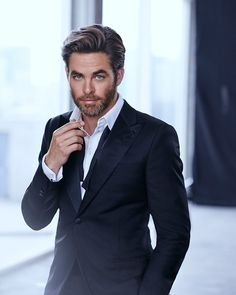 If Brits can conquer American Superheros- American *Chris Pine could be Bond. *Chris Pine for Armani Code Profumo Mode Masculine, Hot Actors, Actors & Actresses, Hollywood Actresses, Giorgio Armani, Gorgeous Men, Beautiful People, Armani Code, Herren Outfit