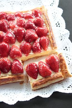 Waffles, Sweet Recipes, Banana Bread, Sweet Tooth, Deserts, Strawberry, Breakfast, Baking, Food