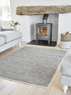 Terrific Screen Fireplace Hearth grey Style Chevron Leather and Cotton Rug Cottage Living Rooms, Living Room Grey, Rugs In Living Room, Living Room Decor, Lounge Rug, Grey Lounge, Lounge Design, Chevron Rugs, Grey Chevron
