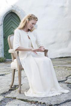 "Nr 10 ""Lara"" jakke pattern by Leila Hafzi Knitting Designs, Knitting Patterns, Diy Crochet, Colorful Fashion, Knit Cardigan, Free Pattern, Hair Makeup, White Dress, Normcore"