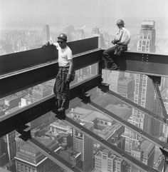 14 Nerve-Wracking Photos From High Atop Old School NYC Skyscrapers ...