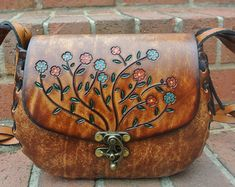 Tooled Leather Purse Gift for Her - Womens Tooled Leather Purse - Hand Tooled & Hand Painted Leather Floral Handbag Tooled Leather Purse, Leather Tooling, Leather Purses, Leather Handbags, Leather Wallet, Suede Leather, Cheap Purses, Cheap Bags, Purses And Bags