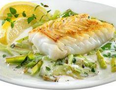 Sole fillets with leeks - Lau Bad - - Filets de sole aux poireaux Recipe – Sole Fillets with Leeks – Proposed by 750 grams Shrimp Recipes, Fish Recipes, Meat Recipes, Healthy Dinner Recipes, Cooking Recipes, Healthy Cooking, Healthy Eating, Seafood Dinner, Fish Dishes