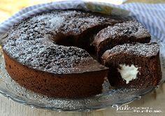 Ciambella al cioccolato fondente con cuore al mascarpone, soffice golosa ottima a colazione e merenda, un cuore goloso e cremoso e tanto cioccolato