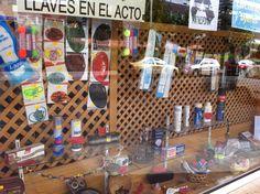 Kratki wykorzystane do uatrakcyjnienia wystawy sklepowej