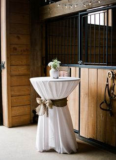Simple Alabama Barn Wedding by Mandy Busby - Southern Weddings Magazine