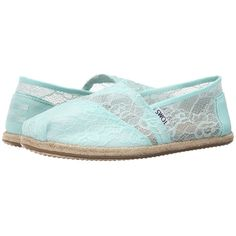 TOMS Wedding Classic (Mint Lace) Women's Slip on  Shoes ($59) ❤ liked on Polyvore featuring shoes, flats, mint green flats, mint green flat shoes, flat pumps, slip on flats and slip-on shoes