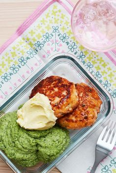 Delicious salmon burgers that are easier to make than you may think. With a side of green mash and lemon butter they make for a colorful keto lunch or a great weeknight dinner.