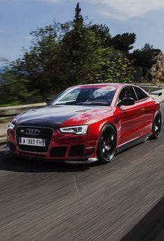 ♚༺S༻♚ Audi RS5