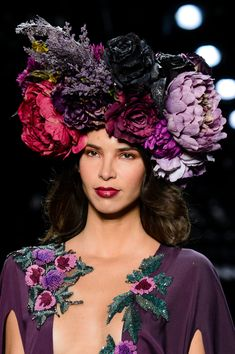 Michael Costello at New York Fashion Week Spring 2017 - Details Runway Photos Michael Costello, Floral Headdress, Color Style, Spring Summer Trends, Purple Lilac, Floral Fashion, Couture Fashion, Runway Fashion, Her Hair