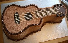 This Chocolate Meringue Cake Recipe (Piano Version) is absolutely incredible! Cr… - New ideas Guitar Birthday Cakes, Guitar Cake, Music Themed Cakes, Music Cakes, Food Cakes, Cupcake Cakes, Cupcakes, Chocolate Meringue Cake Recipe, Cake Chocolate