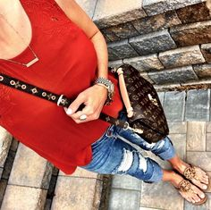 IG /mrscasual/ <click through to shop this look> Louis Vuitton pochette…