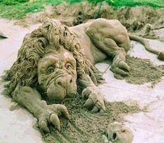 Sand art is type of modelling sand into a special form as a sand castles, sand sculpture and the other sand creatures. Sand and water are two main ingredients Snow Sculptures, Sculpture Art, Garden Sculptures, Ice Art, Snow Art, Grain Of Sand, Unusual Art, Unique Art, 3d Prints