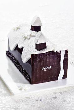 Lenôtre - Buche de Noel omg, I want to make a modern, chic buche de noel this season Christmas Log Cake, Christmas Chocolate, Christmas Desserts, Christmas Treats, White Christmas, Köstliche Desserts, Plated Desserts, Lenotre, Pastry Cake