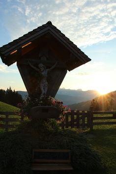 Sonnenaufgang beim Sattelbauer #sunrise #visitflachau #flachau #wandern #hiking Salzburg, Sunrise, Tourism, Hiking, Friends, Landscape, Vacation, Summer