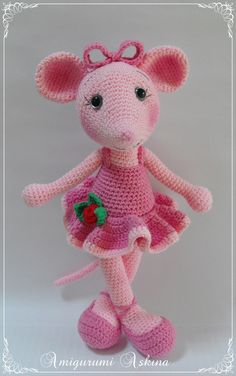 If I could figure out a pattern for this, C would be stoked. She loves Angelina Ballerina!