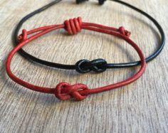 Diy bracelet 570760952773154632 - Simple Bracelet Couple Bracelets His and her Bracelet by Fanfarria Source by Jewelry Knots, Bracelet Knots, Bracelet Crafts, Bracelet Cuir, Paracord Bracelets, Jewelry Crafts, Beaded Jewelry, Beaded Bracelets, Jewelry Necklaces