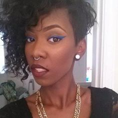 If you need a professional hair and makeup artist who can work with you at home, hire Tynisha Barnes. She can also do eyebrows and beauty facials.