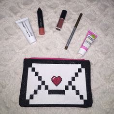 Glam bag All brand new only Swatched. Things included Tucker Ashley advanced peptide eye complex, treStique blush stick, lip Laquer in Moracco, Mr.weite (now) eye pencil in jac, and promise organic ultra moisturizing facial lotion Makeup