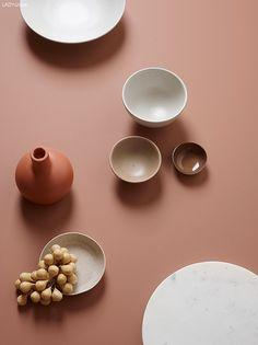 Alt und neue Wiederholung Farbe in China. Reflections of whites