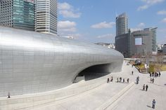 zaha hadid adds to seoul's cityscape with dongdaemun design plaza & park