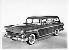 *Country Squire… 1955 Ford PR photo